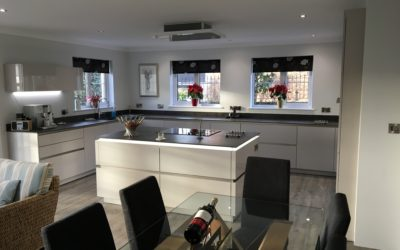 BEAUTIFUL CASHMERE HIGH GLOSS MODERN KITCHEN
